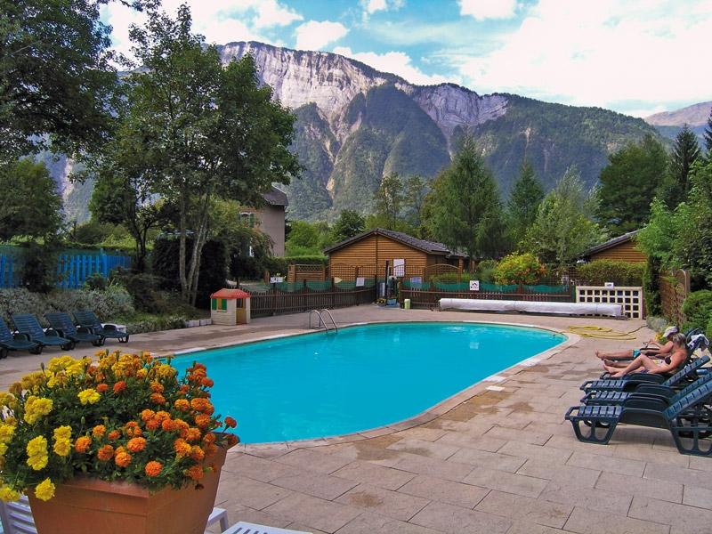 Camping 5 étoiles dans les Alpes : quel établissement choisir ?