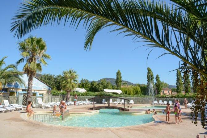 Quel camping avec parc aquatique choisir sur la Côte d'Azur ?